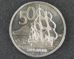 UNCIRCULATED   50 CENTS  ENDEAVOUR 1975               T 477