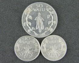 VANUATU LOT 3, FIFTY VATU & TEN VATU 1983 COINS T577