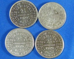 DUTCH L4, 1979 2 1/2 GULDEN COINS T961