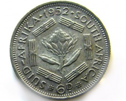 S A frica George V1  500 SILVER 6 PENCE 1952    COIN   J 618