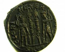 ANCIENT ROMAN  BRONZE FOLLE GLORIA EXERCITVS  COIN  AC 566