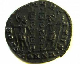 ANCIENT ROMAN  BRONZE FOLLE GLORIA EXERCITVS  COIN  AC 571