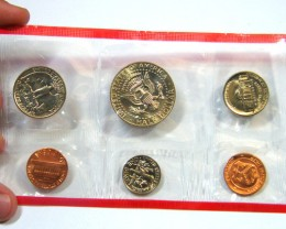 """1985 USA UNCIRCULlATED12 COIN SET, """"D"""" AND """"P"""" MINT OP8"""
