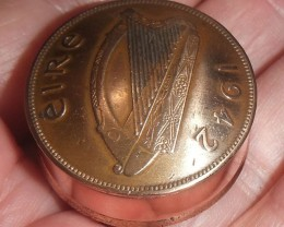1942 Irish One Penny (Hen and chickens) Coin Pot Trench Art