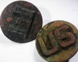 Pair WW11 US Buttons   AGR1359