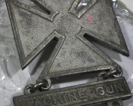 WW11 Machine Gun badge   AGR1370