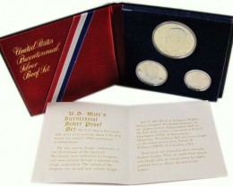 PROOF 40% SILVER  USA BICENTENNIAL SET 3 COINS    CO 1051