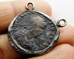 ANCIENT GREEK  BYZANTINE  COIN IN  PENDANT CO 1123