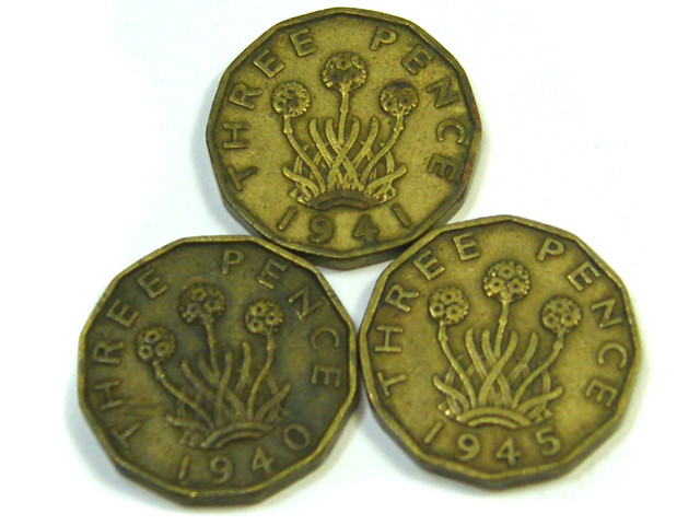PARCEL THREE 3 PENCE COINS 1940-1945 WAR YEARS J 14