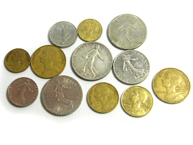 PARCEL 12 MIXED FRANCE COINS 1916 -1977 J15