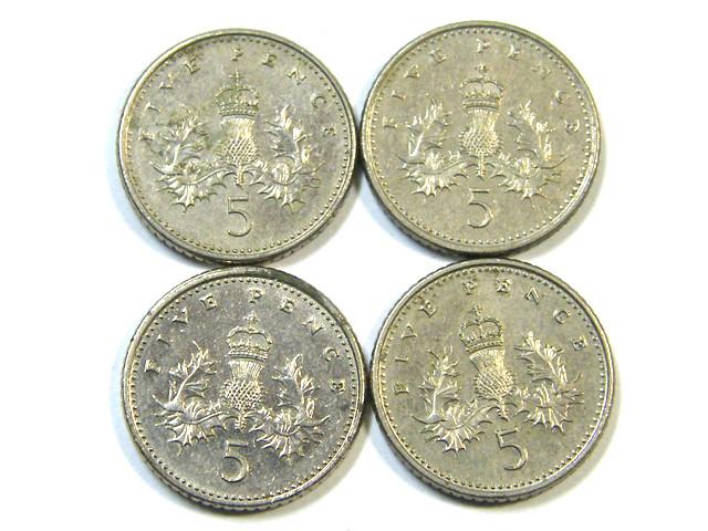 PARCEL OF 4 FIVE PENCE COINS 1990s  J 40