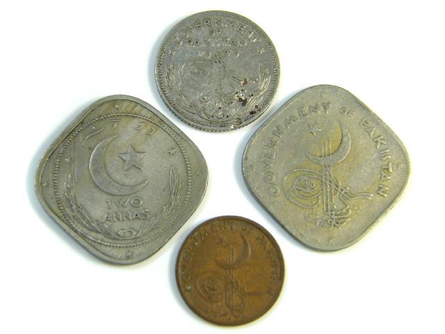 PARCEL 4 PAKISTAN COINS  1949-1961    J 69