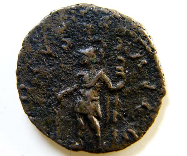 ROMAN PROVINCIAL COIN   TERRICUS ANTONINIANUS     CODE  AC32
