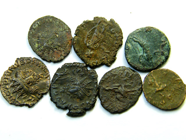 parcel 7 B ronze Antoniniani from the Gallic Empire  AC192