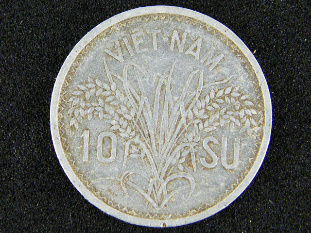 VIETNAM LOT 1 , TEN SU 1953 COIN T533