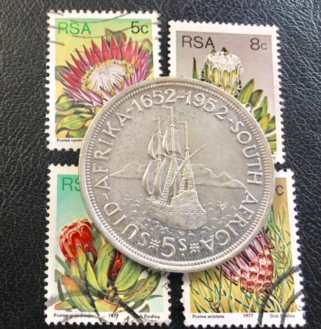 SOUTH AFRICA 5 SHILLING SILVER COIN PLUS STAMPS   1952  T 406