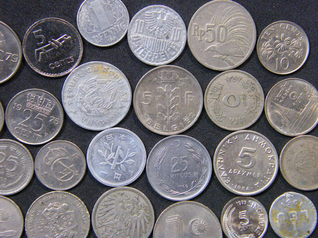 BULK LOT COINS    142 GRAMS   T452