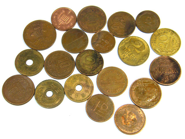 BULK LOT COINS  BRASS ,COPPER  87 GRAMS         T453