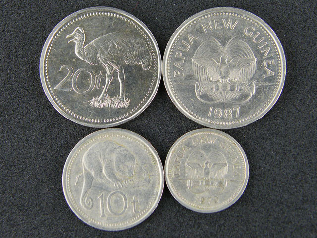 FIJI FOUR COINS 1975 TO 1987   T 495