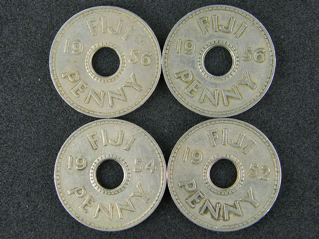 FIJI PARCEL LOT OF 5 ONE PENNY 1952 - 1956 COINS     T500