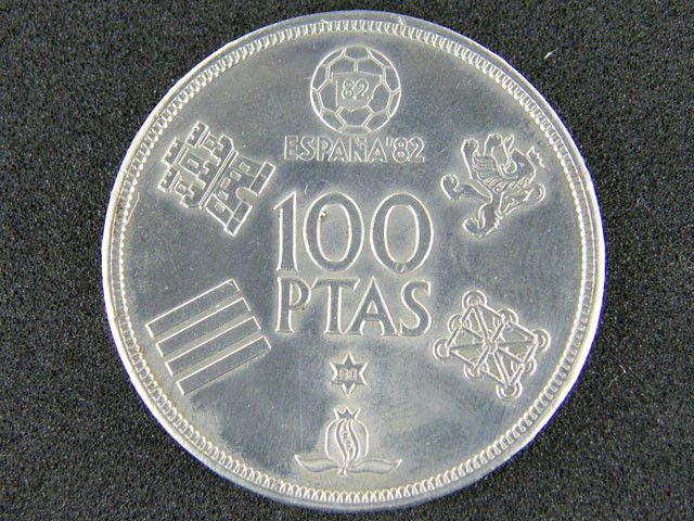 SPAIN LOT 1, ONE HUNDRED PESETAS WORLD  CUP COIN T593