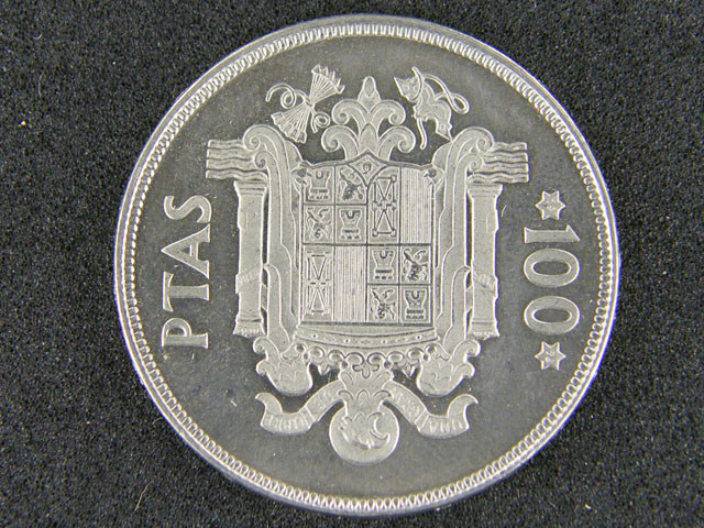 SPAIN LOT 1, ONE HUNDRED PESETAS COIN 1975 T597