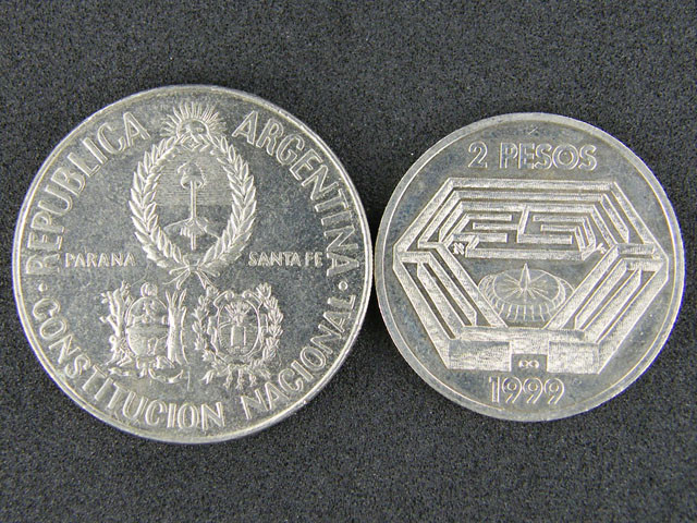 ARGENTINA LOT 2, TWO PESOS 1999, FIVE DOLLARS 1994 COIN T647