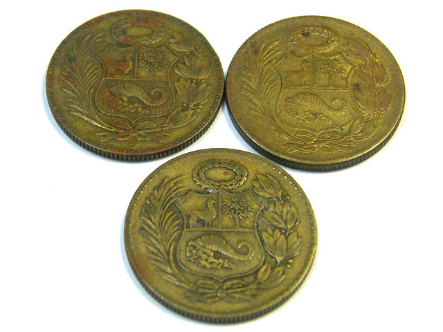 PERU LOT 3, 1/2 SOL DE ORO COIN T666