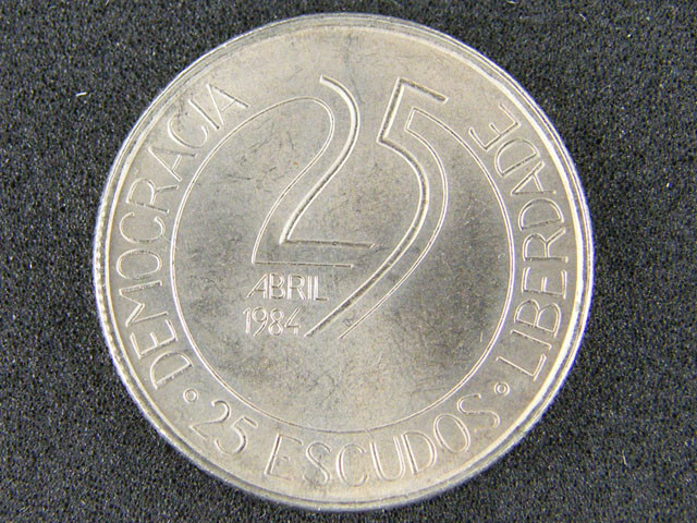 PORTUGAL LOT 1, TWENTY-FIVE ESCUDOS COIN T670