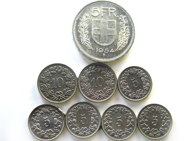 EIGHT SWISS MIXED COINS 1960s   COINS   J 696