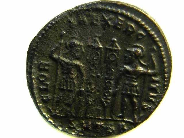 ANCIENT ROMAN  BRONZE FOLLE GLORIA EXERCITVS  COIN  AC 546