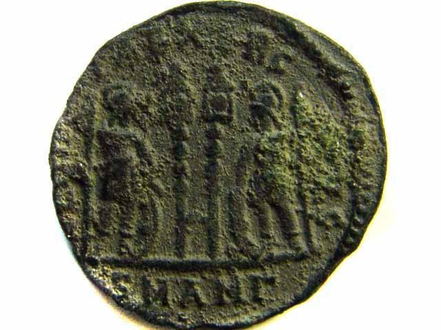 ANCIENT ROMAN  BRONZE FOLLE GLORIA EXERCITVS  COIN  AC 550