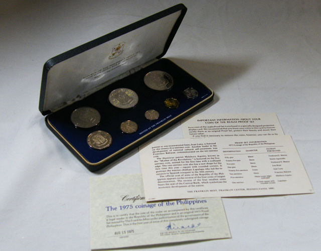 COLLECTORS 1975  PROOF PHILIPINNES EIGHT  COIN SET CO 634