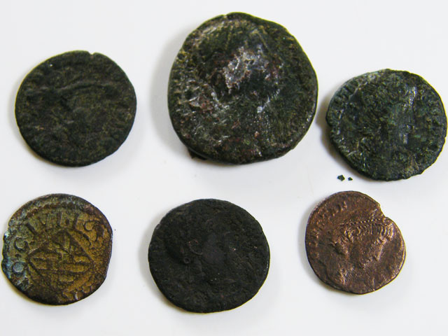 PARCEL 6 MIXED ANCIENT ROMAN COINS  AC 601