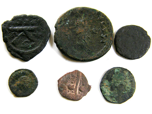 PARCEL 6 MIXED ANCIENT ROMAN COINS  AC 606