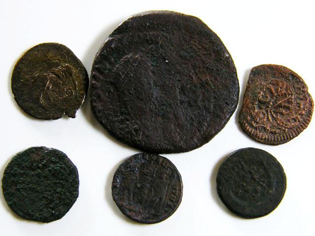 PARCEL 6 MIXED ANCIENT ROMAN COINS  AC 608