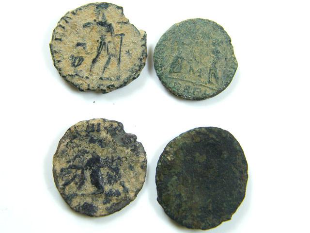PARCEL 4 MIXED ANCIENT ROMAN COINS  AC 620