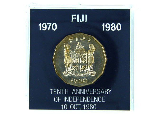 FIJI 1980 COIN IN BLACK BOX    OP 906