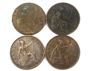 PARCEL OF FOUR HALF PENNY COINS   OP85