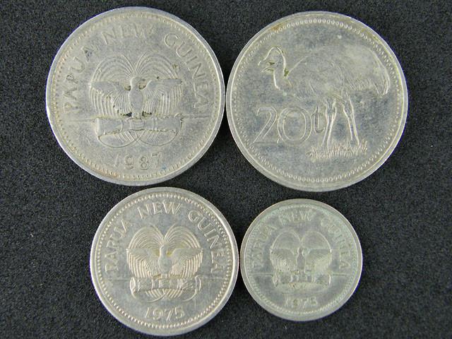 FOUR PAPUA NEW GUINEA  COINS 1970-80S     OP 1013