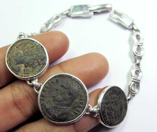 THREE  ANCIENT ROMAN COINS IN SILVER BRACELET  CO 1654