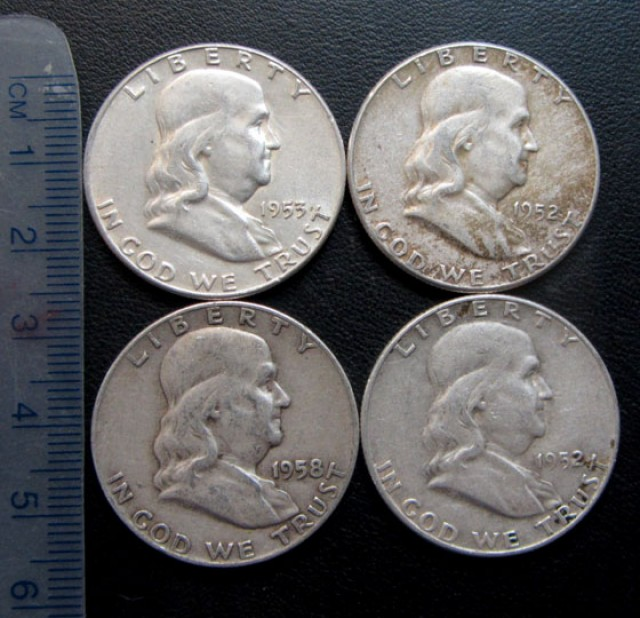 1952-58 PARCEL FOUR HALF DOLLAR LIBERTY  SILVER COINS CO1713