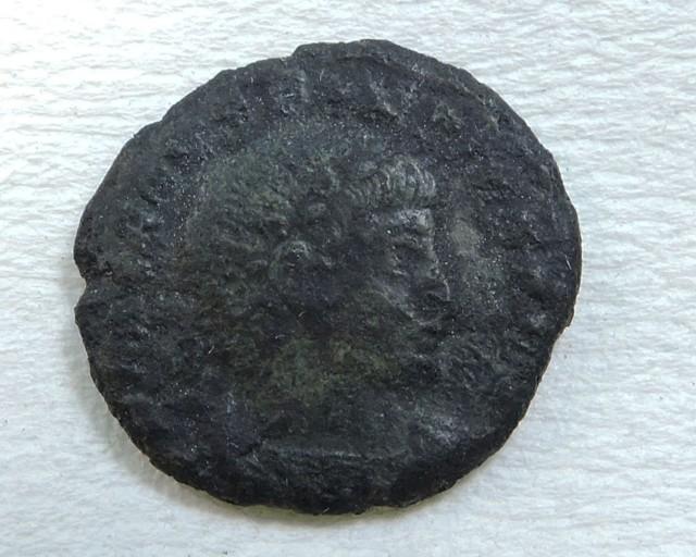 ANCIENT ROMAN  BRONZE  COIN  DISPLAY AC 820
