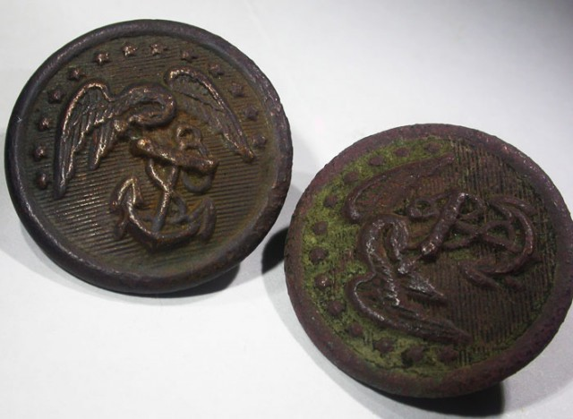 Pair WW11 US Buttons   AGR1354