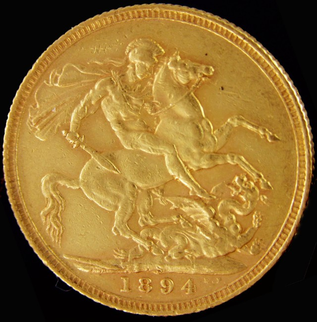 S 1900 Full Gold Sovereign veiled Queens-head  CO2311