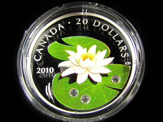 CANADIAN WATER LILLY SILVER COIN WITH SWAROVSKI CRYSTALS