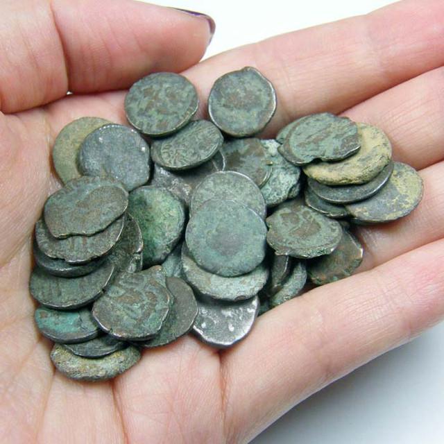 THREE (3)  MIXED ROMAN COINS  AC 713