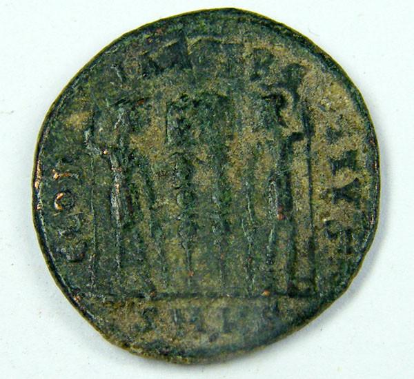 ANCIENT ROMAN  BRONZE AE3  COIN  AC 765