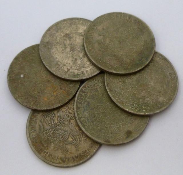 (MAYAN) SIX MEXICAN UN  PESO  COINS  CO 1337
