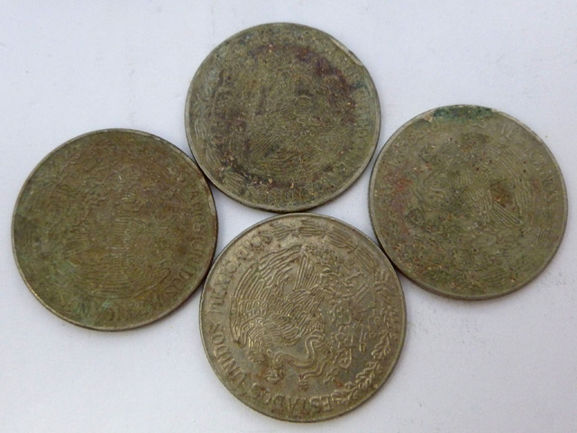 (MAYAN) FOUR MEXICAN UN  PESO  COINS  CO 1341